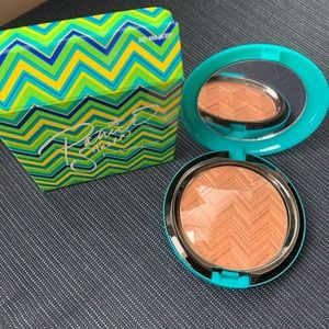Mac limited edition Patrick Starr face powder